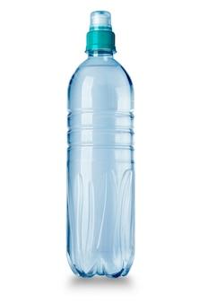 Plastic waterfles die op wit wordt geïsoleerd