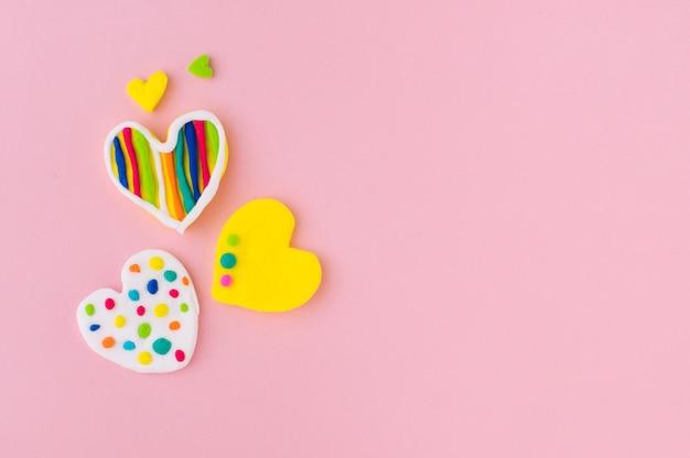 Plasticine harten op roze