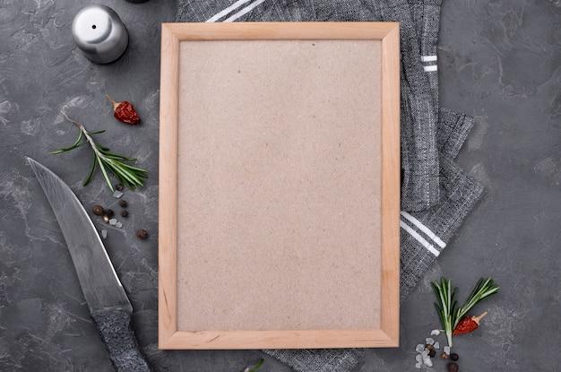 Plat frame met bestek