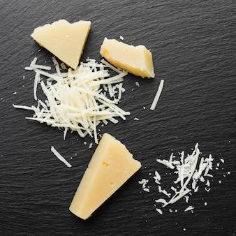 Plat geraspte parmezaanse kaas