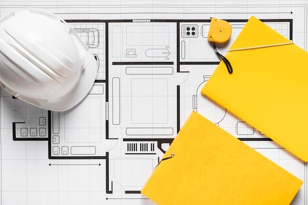 Plat lag arrangement van architectonische elementen op witte achtergrond