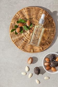 Plat lag arrangement van verzorgingsproduct voor arganolie