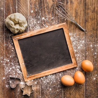 Plat lag bakkerij samenstelling met leisteen sjabloon