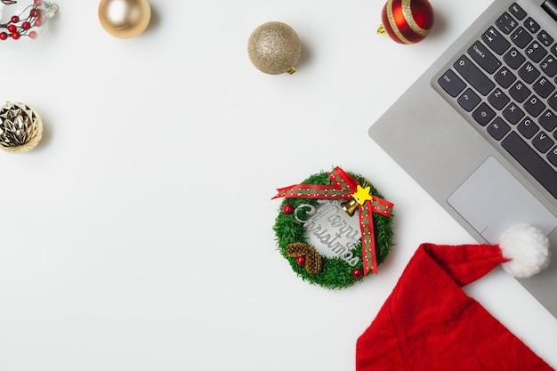 Plat lag bovenaanzicht kerst kantoor tafel bureau partij