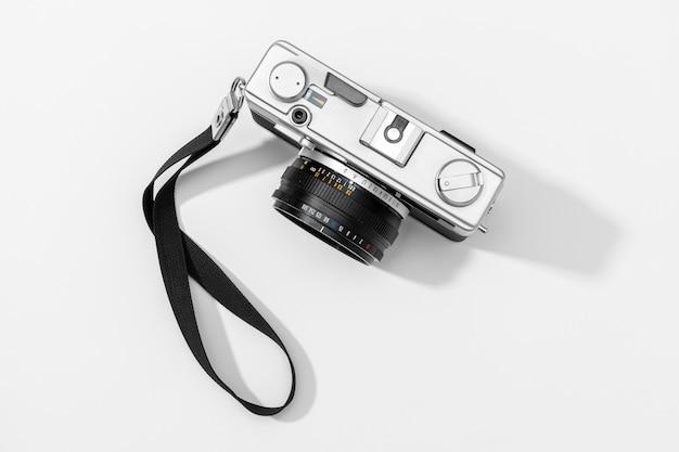 Plat lag filmcamera geïsoleerd. kopie ruimte