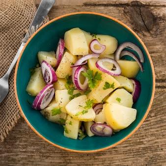 Plat lag heerlijke aardappelsalade