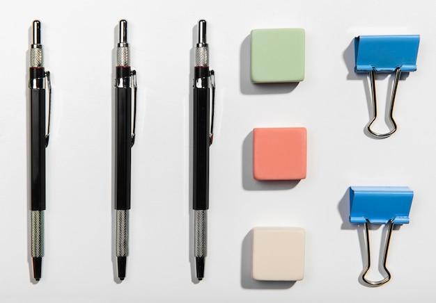 Plat lag kantoor accessoires knolling concept