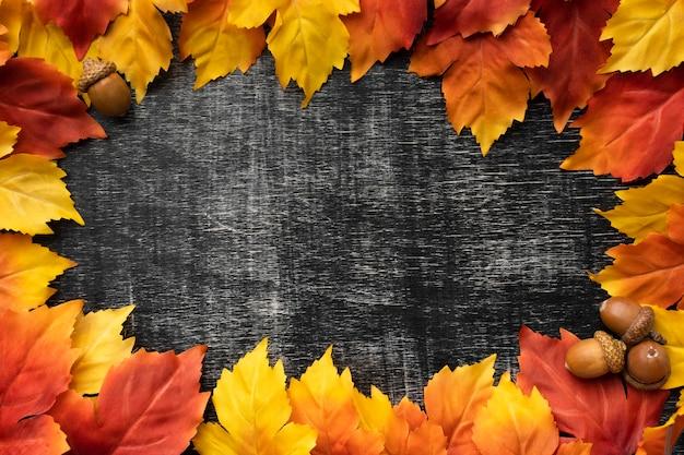 Plat lag kleurrijke bladeren frame