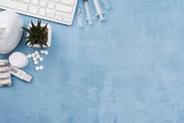 Plat lag medische objecten assortiment met kopie ruimte