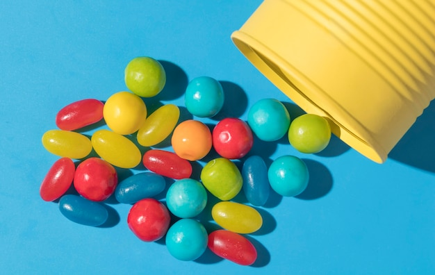 Plat lag samenstelling van heerlijke zoete snoepjes