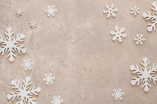 Plat lag schattige winter elegante sneeuwvlokken