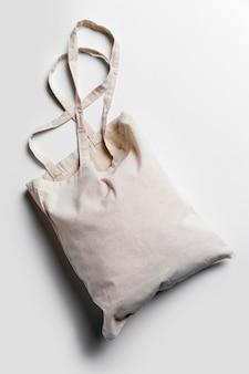 Plat lag tote bags arrangement