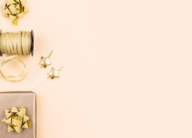 Plat lag verjaardag gouden linten