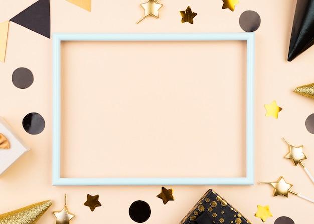 Plat lag verjaardagsdecoratie met frame