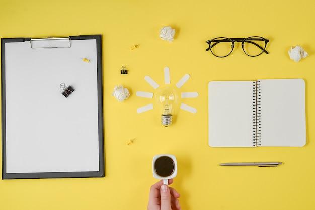 Plat leggen brainstormen tabel bovenaanzicht.
