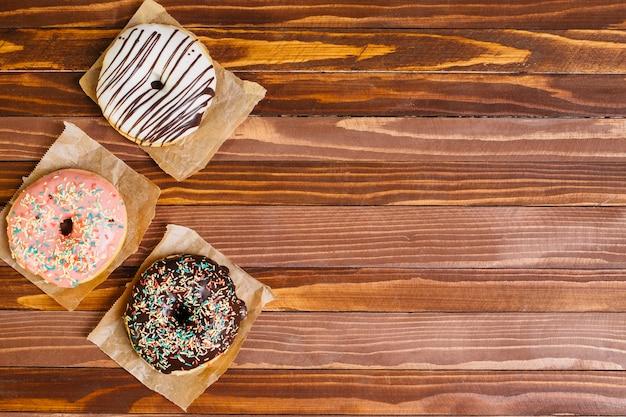 Plat leggen donut samenstelling met copyspace