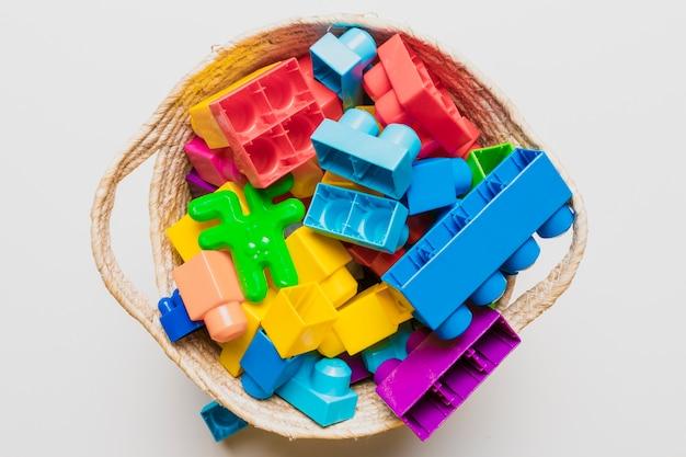 Plat leggen samenstelling van speelgoed