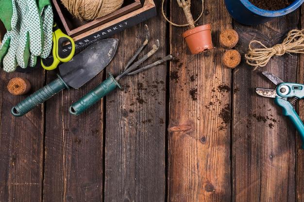 Plat leggen tuinieren concept