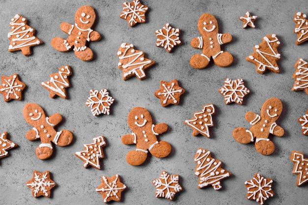 Plat leggen van assortiment van peperkoek cookies