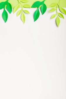 Plat leggen van bladeren met kopie ruimte
