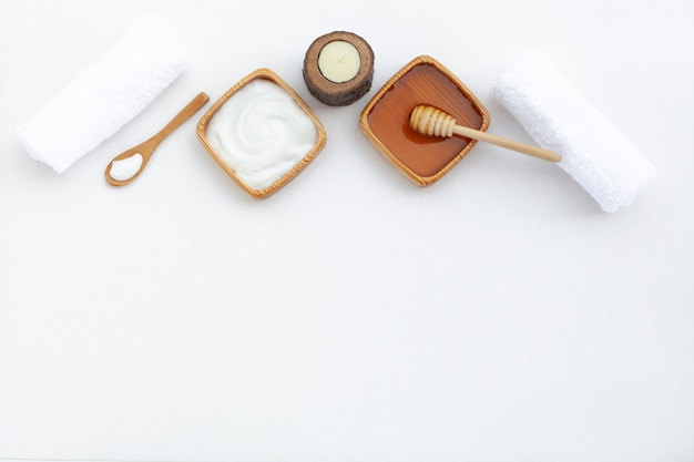 Plat leggen van body butter cream met kopie ruimte