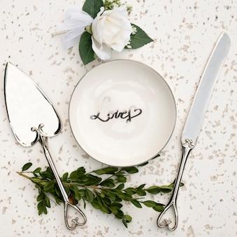Plat leggen van bruiloft tafel arrangement