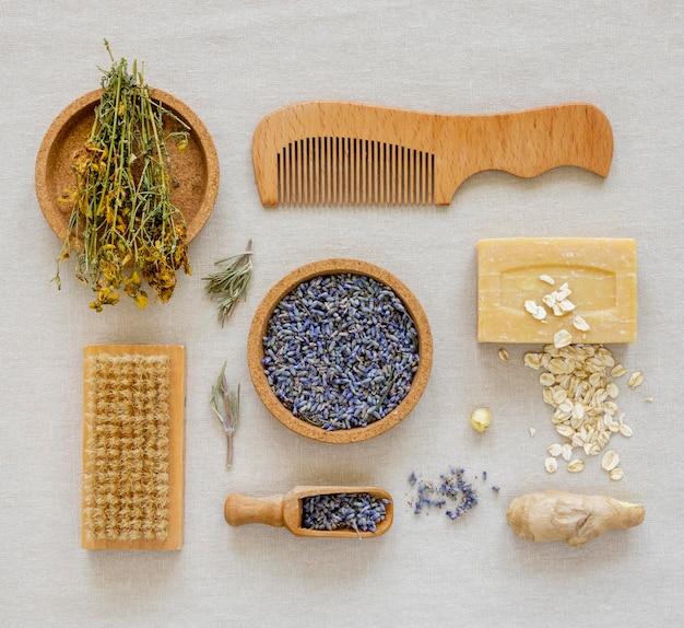 Plat leggen van geneeskrachtige specerijen en kruiden