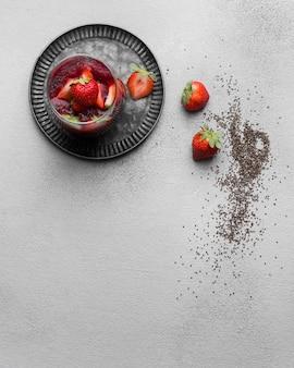 Plat leggen van heerlijk gezond ontbijt met kopie ruimte
