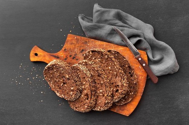 Plat leggen van heerlijk zaad brood concept