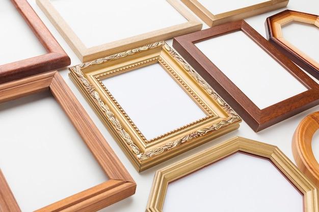 Plat leggen van houten kaders arrangement
