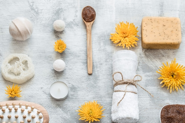 Plat leggen van huidverzorgingsproducten