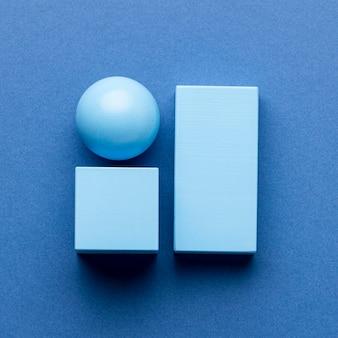 Plat leggen van minimalistische geometrische figuren