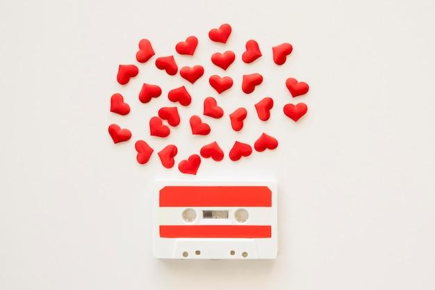 Plat leggen van muziek concept met casette