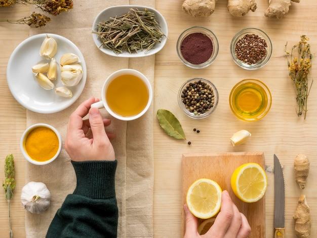 Plat leggen van natuurlijke geneeskrachtige kruiden