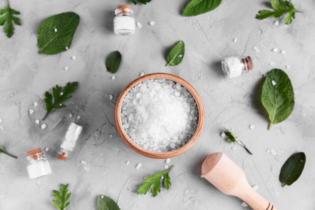 Plat leggen van natuurlijke zout concept