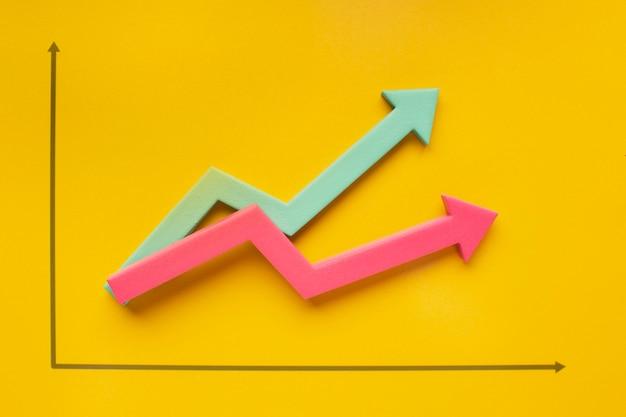 Plat leggen van presentatie van groeistatistieken met pijl