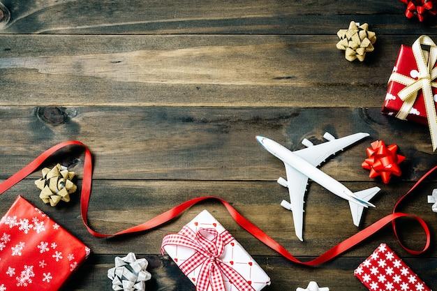 Plat leggen van prettige kerstdagen en gelukkig nieuwjaar en elk vakantieconcept