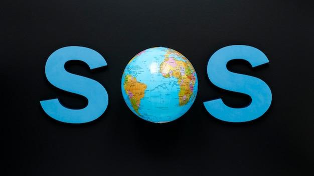 Plat leggen van sos met globe