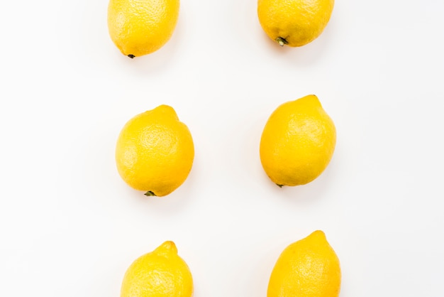 Plat leggen van tropische citroenen