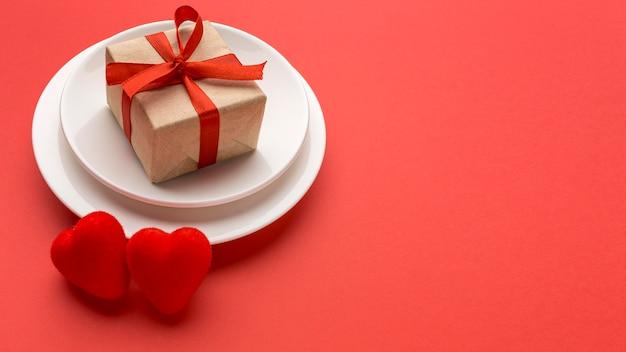 Plat leggen van valentijnsdag concept met kopie ruimte