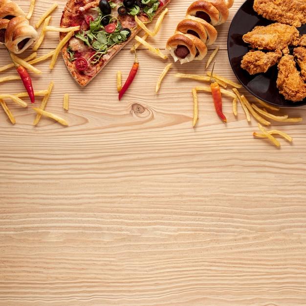 Plat leggen voedsel frame met kopie-ruimte