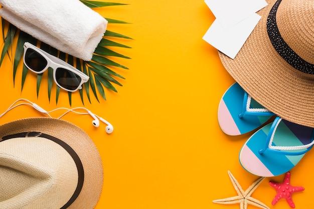 Plat leggen zomer vakantie concept met kopie ruimte