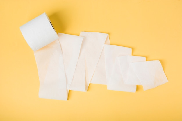 Plat liggend toiletpapier rol los