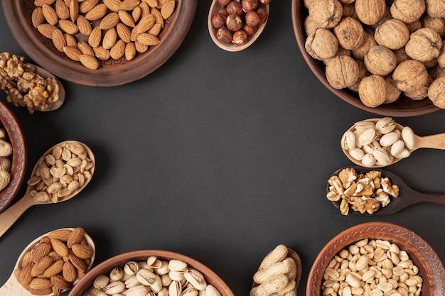 Platliggend frame met assortiment noten