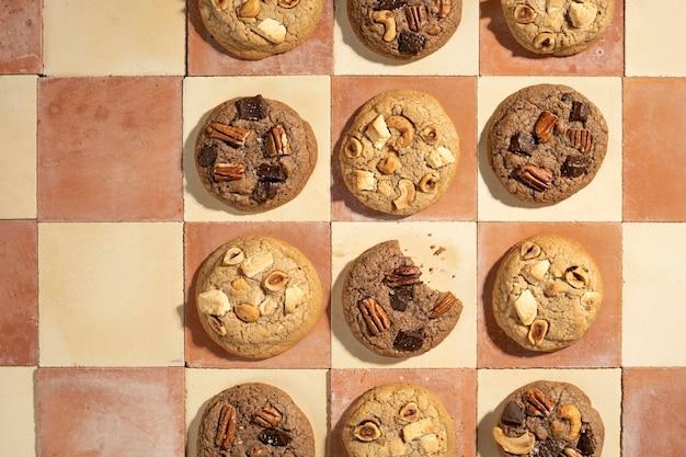 Platliggend koekjes arrangement