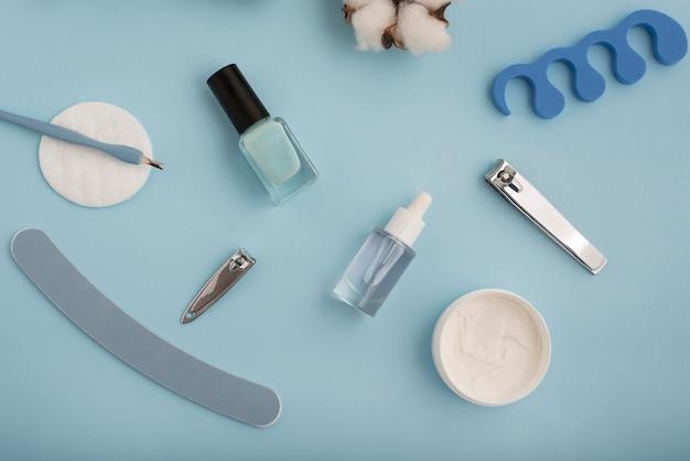 Platliggende nagelverzorgingsartikelen arrangement