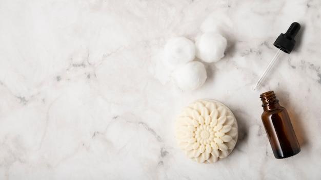 Platliggende natuurlijke huidverzorgingsproducten