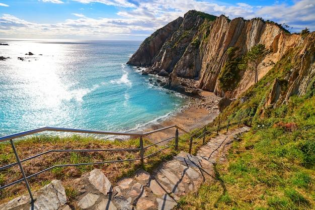 Playa del silencio in cudillero asturias spanje