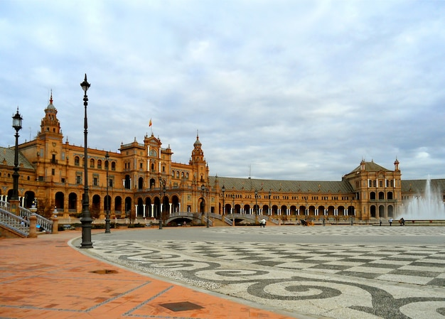 Plaza de espana, prachtig historisch plein gebouwd voor de ibero-amerikaanse tentoonstelling of de expo 29 in 1929, sevilla, spanje