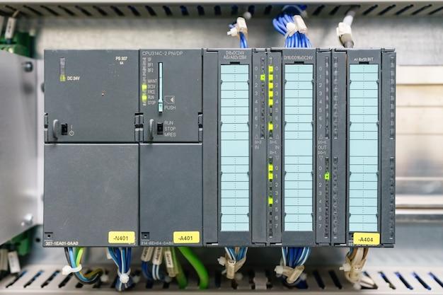 Plc programmeerbare logische controller